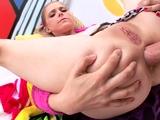 Anal loving gf sucks cock before hardcore anal fun