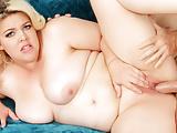 Plumper Babe Miranda Kelly Twerks Her Big Ass on an Old Cock