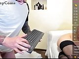 Watch live couples chatting on Xhornycams.com!