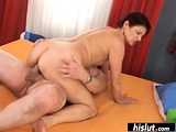 Vanesa knows how to wake her man up