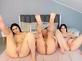 Lesbians fingering on cam
