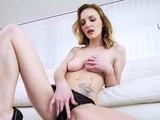 Mesmerizing bombshell got a task to play with a sex toy