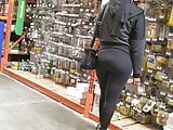 Candid booty in tights