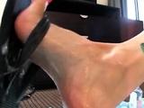 Old pervert enjoys a foot fetish games in HD