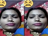 Indian desi village bhabhi showing her boobs on video call