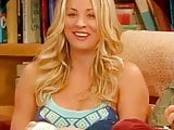 Kaley Cuoco - Behind the scene