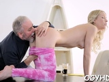 Sinful barely legal blonde girlfriend enjoys box hammering