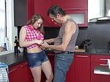 Oude man en jonge meid