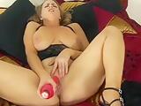 Sexy Mature Chick 32