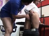 Sex-starved oriental girlie Laura is fingered