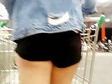 Novinha gostosinha de shortinho preto Nice teen Black shorts