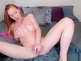 Pretty Hot Babe Fuck Her Pussy With Dildo